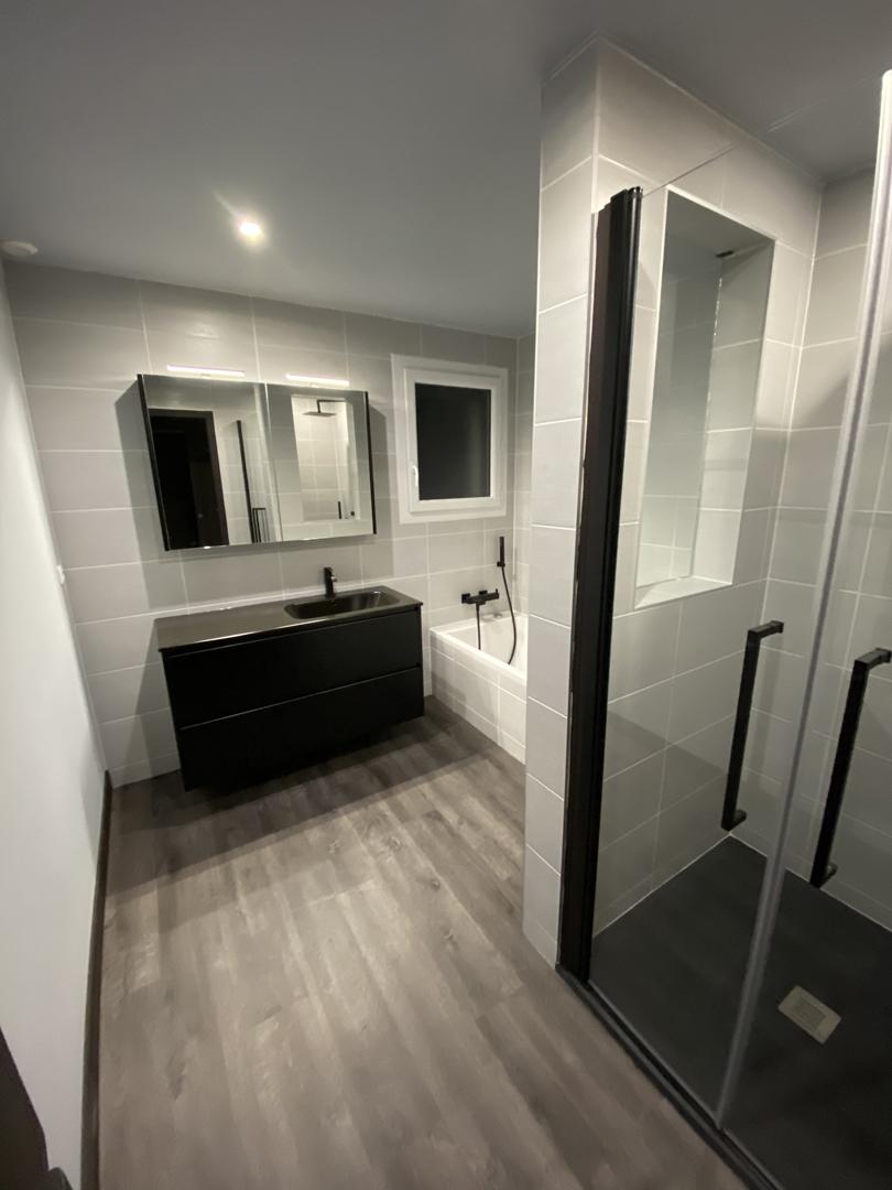 renovation-salle-de-bains-saint-jean-de-la-ruelle-20